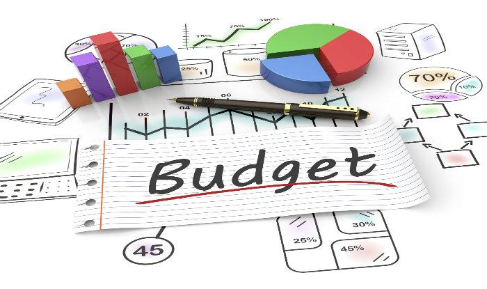 nigeria lowers 2019 spending plan to n8 6trn as 2018 revenue target