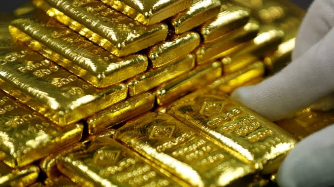 Investors keep gold at $1,600 per ounce as tension in the middle-east heightens