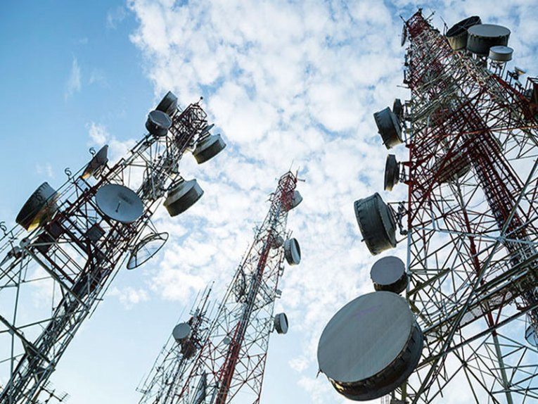 Nigerians pressure telcos to reduce tariffs on COVID-19 disruption