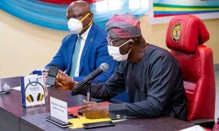 Lagos distributes free phones to pupils to bridge digital divide