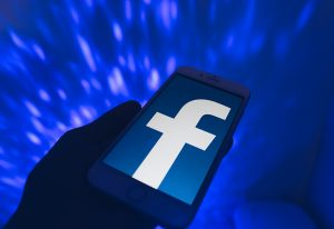 Facebook sees user base expansion up to 2.8bn in 2020, revenue reaches 20% y/y